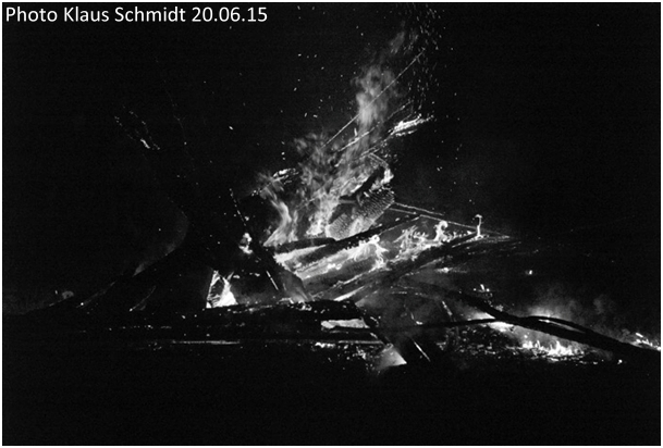 sonnwendfeier-auf-der-wied-2015-schwarzweiss-1
